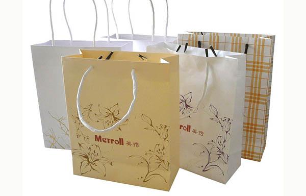 Túi giấy là lựa chọn an toàn và hiệu quả.