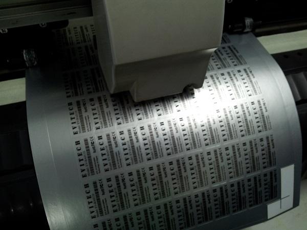 Tem bạc là một trong những loại tem được sản xuất nhiều nhất tại Xưởng in 2T