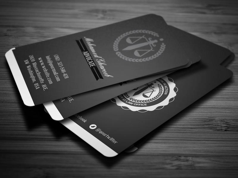 Cán màng cho name card thêm sang trọng.
