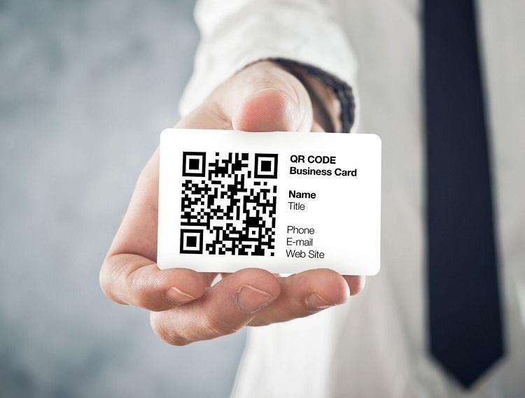 In card visit có mã QR