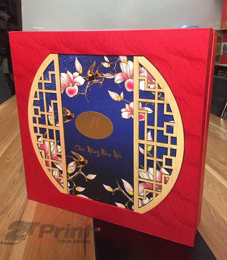 hộp cao cấp làm quà tặng sắc đỏ nổi bật