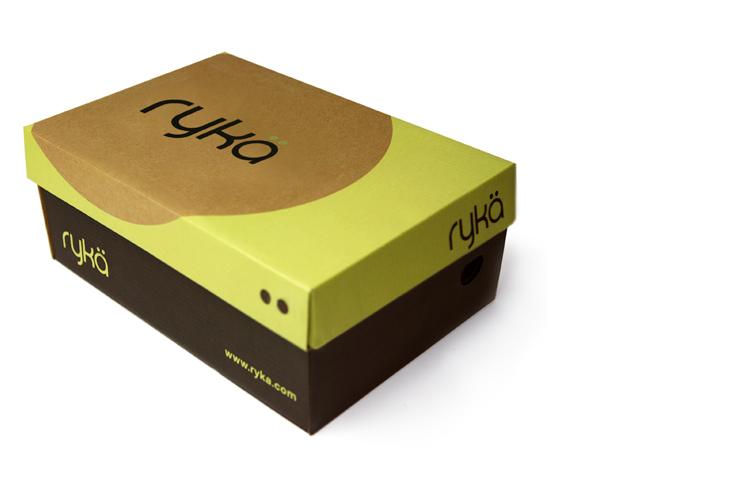 Hộp giấy đựng giày thường dùng carton 3 lớp.