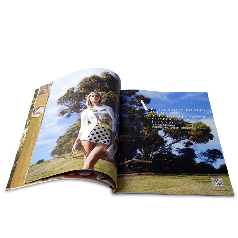 Mẫu 1: Catalogue thời trang của Xưởng in 2T