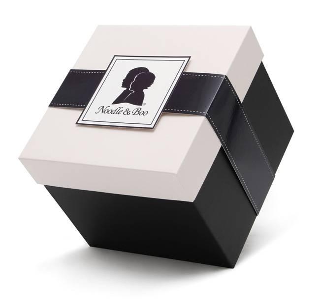Mẫu in hộp cứng, hộp đựng quà có thiết kế sang trọng, tinh tế