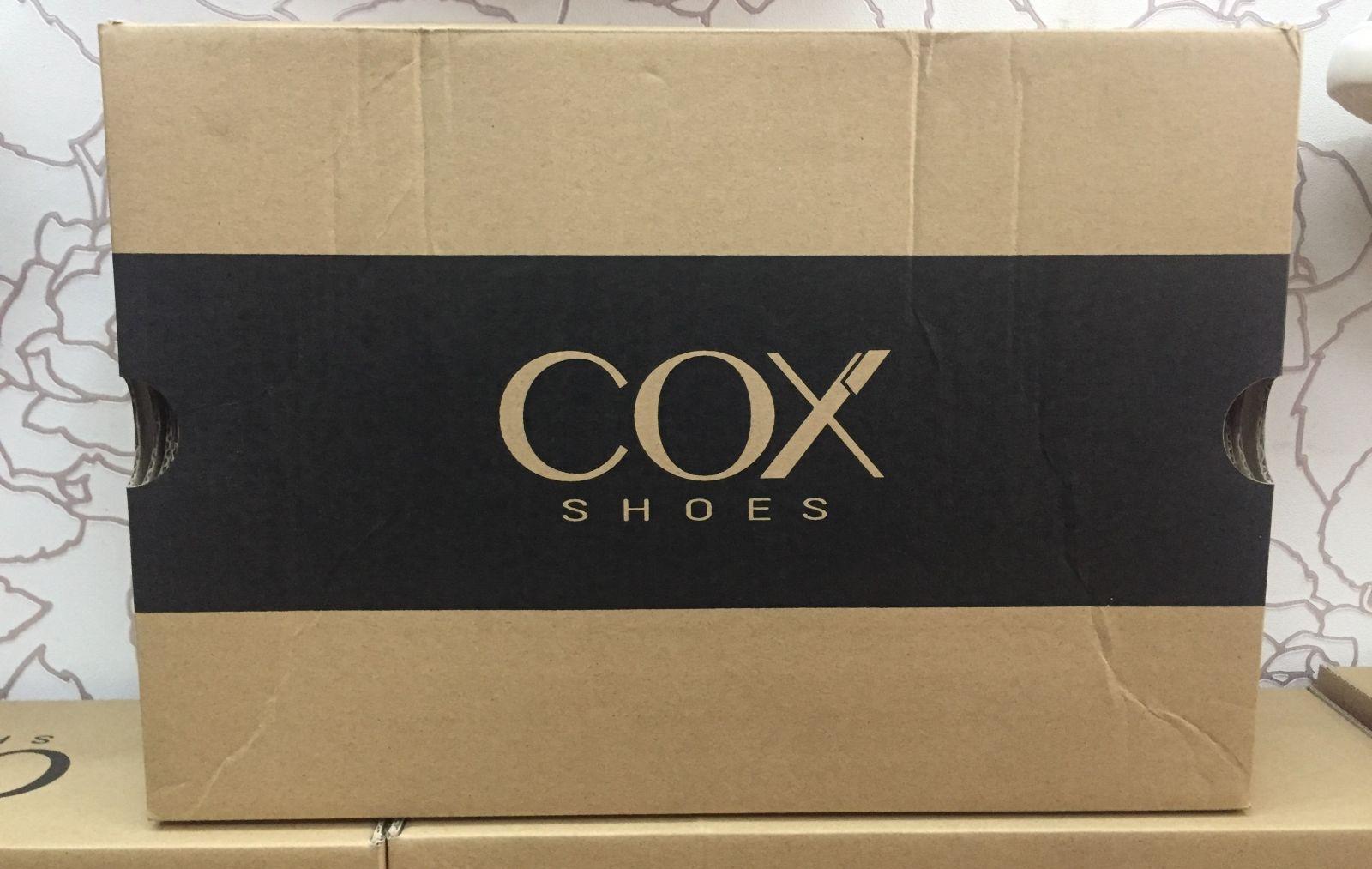 In hộp giấy đựng giày dép đơn giản mà sang trọng