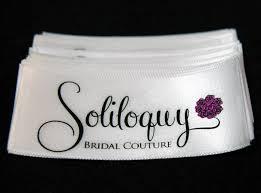 Nhãn dệt satin cho ra những thành phẩm nhãn mác rất đẹp và sắc nét.