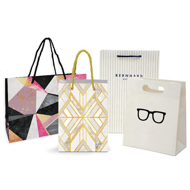 mẫu in túi giấy cho shop thời trang đa dạng