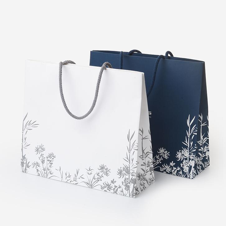 mẫu in túi giấy cho shop thời trang đơn giản