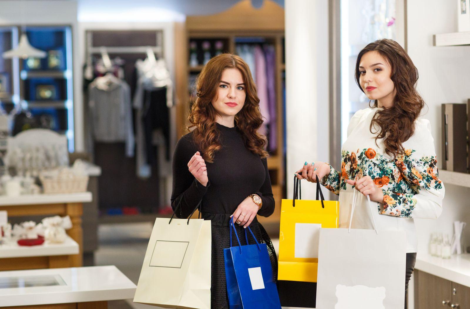 Túi giấy đựng mỹ phẩm được nhiều phụ nữ ưa chuộng