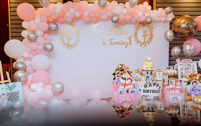 kích thước backdrop sinh nhật