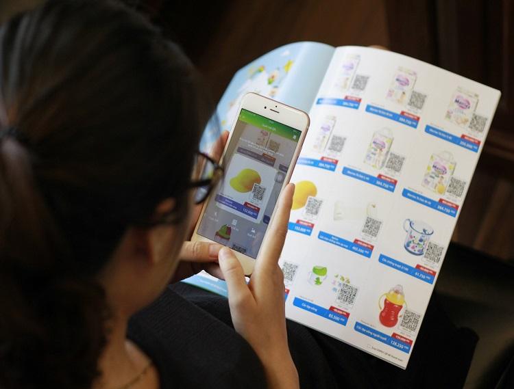 Qr code được ứng dụng in trên catalogue tờ rơi quảng cáo