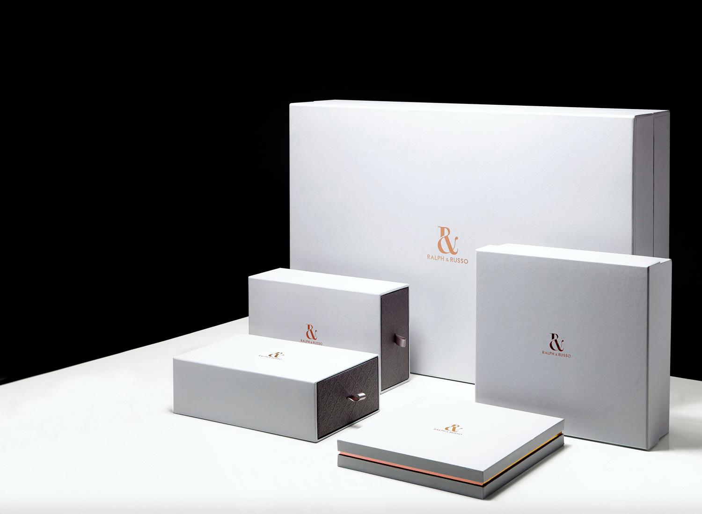 Thiết kế hộp quà tặng tinh tế, sang trọng.