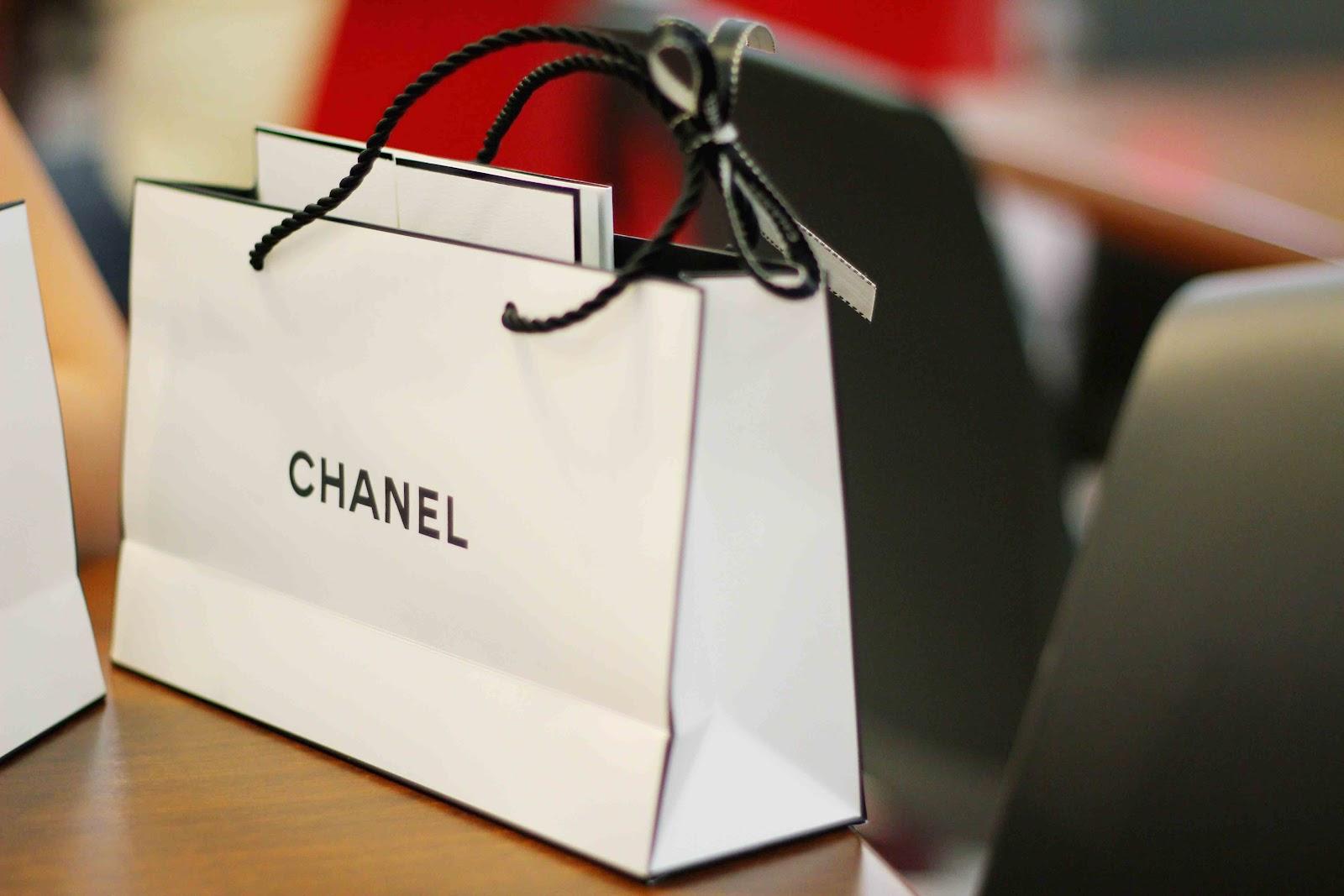 Sử dụng túi giấy sẽ góp phần nâng tầng giá trị của sản phẩm