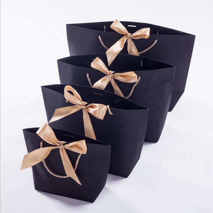 Mẫu túi đựng quà bằng giấy của Xưởng in 2T