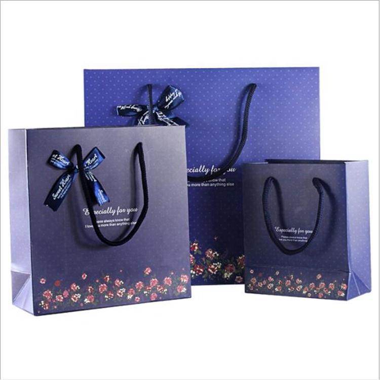 Túi đựng quà tết bằng giấy của Xưởng in 2T